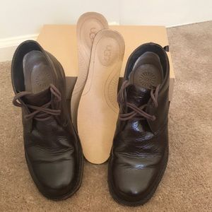Men's shoes. UGG Brown Leather Shoes